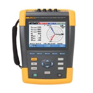 Analizador de energía y monitor de calidad eléctrica de 400 Hz Fluke 437 Serie II